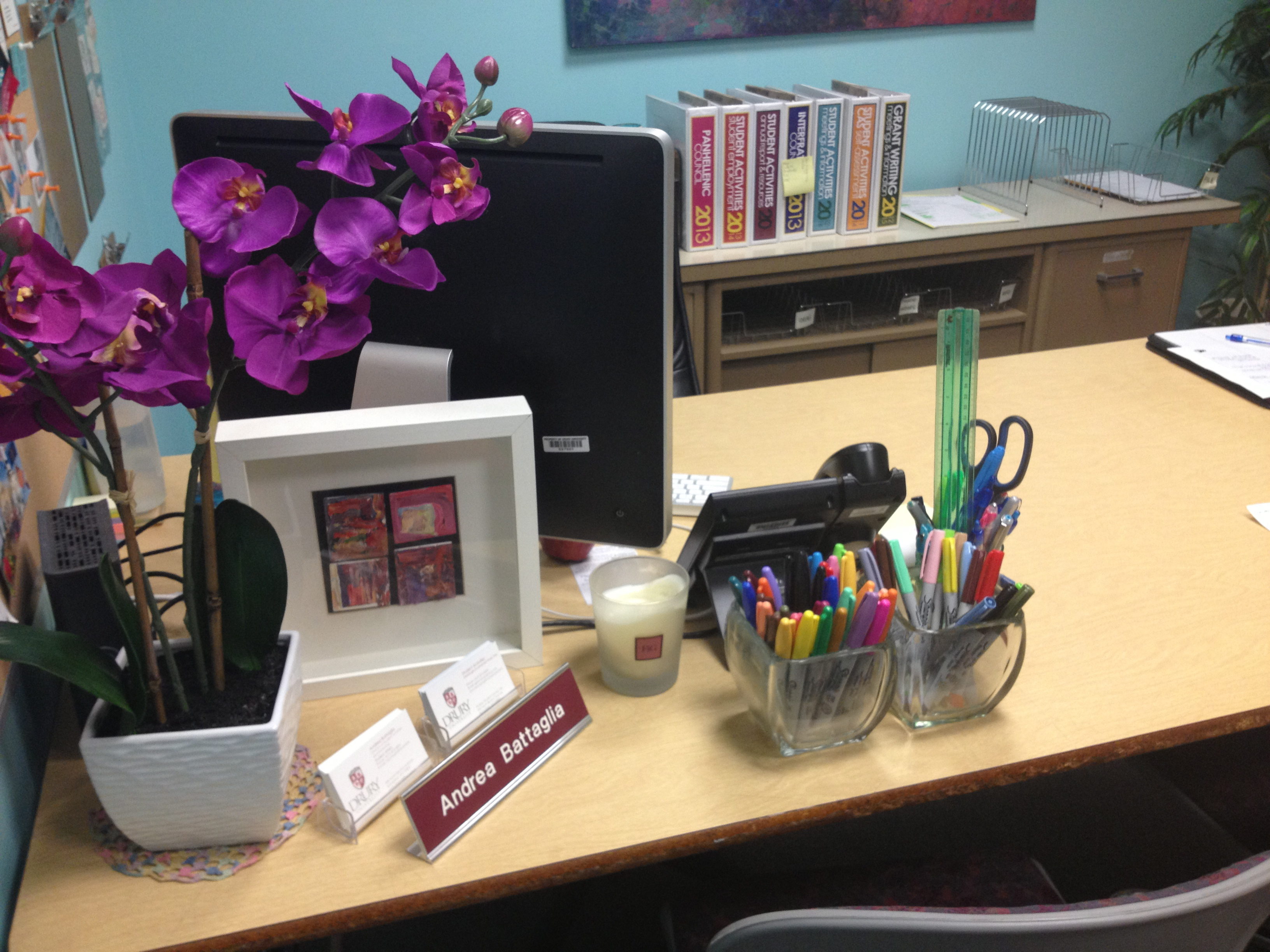 22 perfect office organization ideas at work for Work office decoration ideas